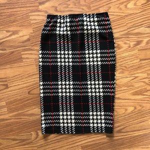 Lightweight plaid pencil skirt